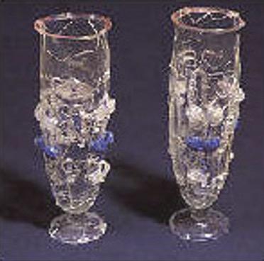 paire de verres a pied gallo-romains dates du 3e siecle decouverte a Bouille-Courdault